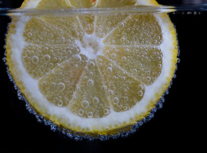 Lemon under water